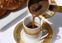 Вчені рекомендують перейти зі споживання еспресо на каву «по-східному»