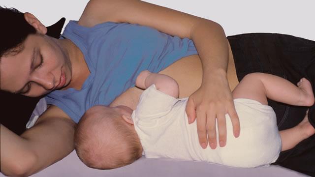 Кормление грудью: что делать при повреждении сосков