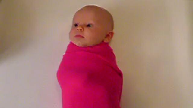 Простейшая техника пеленания ребенка