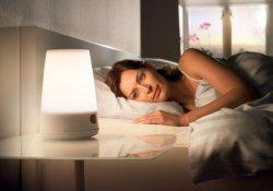Секреты здоровья: ночной свет в спальне – путь к ожирению